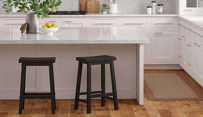 AmazonBasics Classic Solid Wood Saddle-Seat Counter Stool